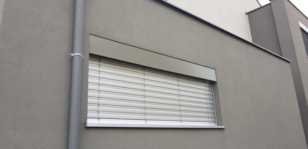 aluzja fasadowa wrocław 1024x498 - Rolety i żaluzje fasadowe